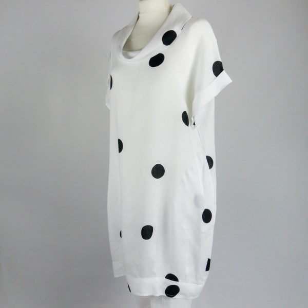 handmade sleeves short white dress with dots for woman made with natural fabric