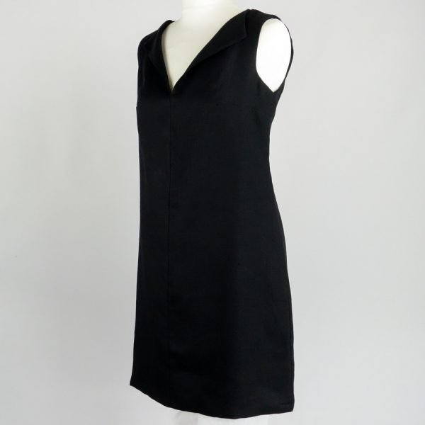 handmade sleeveless short black dress for woman made with natural fabric