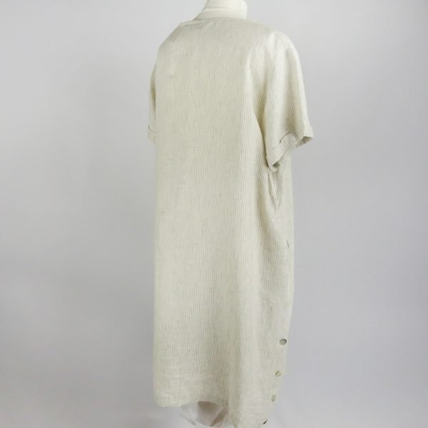 back of handmade dress with sleeves for woman made with natural fabric