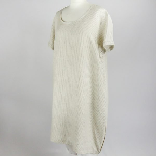 handmade dress with sleeves for woman made with natural fabric
