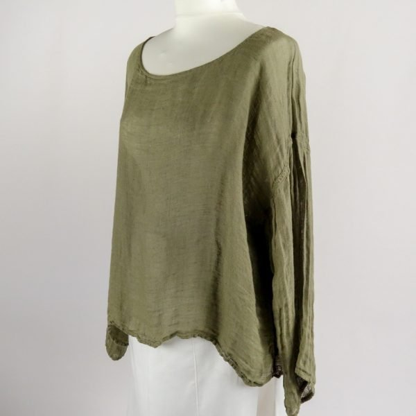 handmade summer top with sleeves for woman made with natural fabric