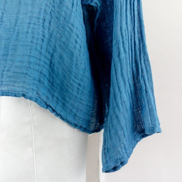 detail handmade linen blue top with sleeves for woman