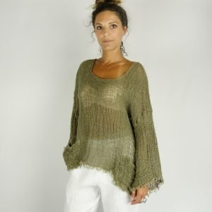 model with Handmade green top with sleeves for woman made with natural fabric