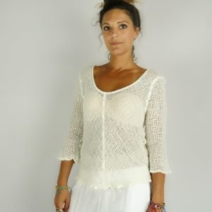 model with Handmade white top with sleeves for woman made with natural fabric